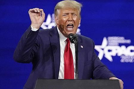Donald Trump, ehemaliger Präsident der USA, kommuniziert nach seinem Social-Media-Aus nun über einen Blog auf seiner eigenen Website. Foto: John Raoux/AP/dpa