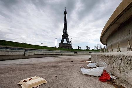 Paris hat ein Müllproblem. Foto: Leo Novel//Leo Novel