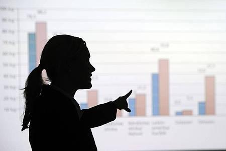 Laut Koalitions-Beschluss soll bald auch für Unternehmensvorstände eine Frauenquote gelten. Foto: Tobias Kleinschmidt/dpa