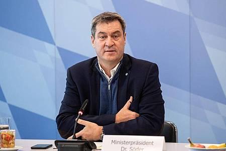 Markus Söder, CSU-Vorsitzender und Ministerpräsident von Bayern, eröffnet eine Kabinettssitzung in München. Foto: Matthias Balk/dpa Pool/dpa
