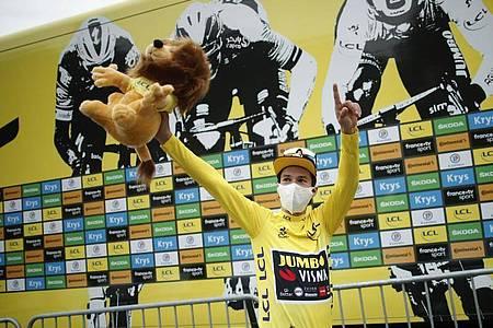 Der Slowene Primoz Roglic bleibt der Topfavorit auf den Tour-Sieg. Foto: Benoit Tessier/Pool Reuters/dpa