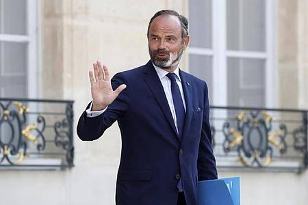 Edouard Philippe beim Verlassen des Elysee-Palasts. Foto: Gonzalo Fuentes/Pool Reuters/AP/dpa
