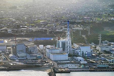 Blick auf das Atomkraftwerk Tokai Nr. 2 in der Präfektur Ibaraki in Ostjapan. Foto: -/Kyodo/dpa