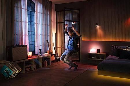 Zum Themendienst-Bericht vom 1. September 2021: PhilipsHue macht Musik nun auch sichtbar. Foto: Philips Hue/Signify/dpa-tmn