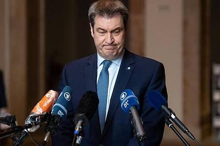 Markus Söder (CSU), Ministerpräsident von Bayern, gibt vor Beginn einer Fraktionssitzung der CSU im bayerischen Landtag ein Pressestatement. Foto: Sven Hoppe/dpa