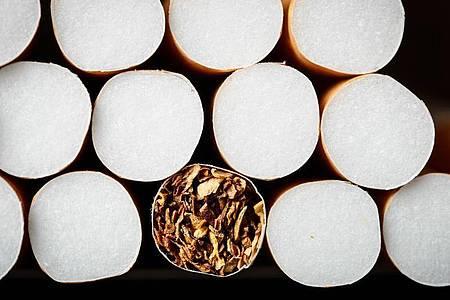 In der EU war vor rund einem Jahr ein Verkaufsverbot für Zigaretten und Drehtabak mit charakteristischen Aromen in Kraft getreten. Foto: picture alliance/dpa/Symbolbild