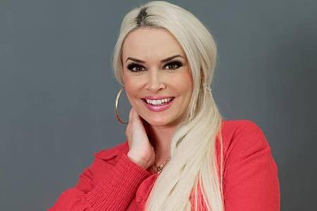 Reality-Show-Darstellerin Daniela Katzenberger legt wieder im Fernsehen los. Foto: Henning Kaiser/dpa