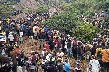 Die Goldmine in Kamituga in der Provinz Süd-Kivu ist am Freitag nach heftigen Regenfällen und Überschwemmungen eingestürzt. Foto: Jeff Mwenyemali/Maisha RDC/AP/dpa
