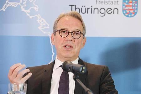 Thüringens Innenminister Georg Maier (SPD) warnt vor Zunahme von Terrorismus. Foto: Bodo Schackow/dpa