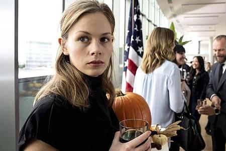 «Tatort: Funkstille»: Emily Fisher (Emilia Bernsdorf)verliert einen Freund. Foto: Bettina Müller/HR/dpa