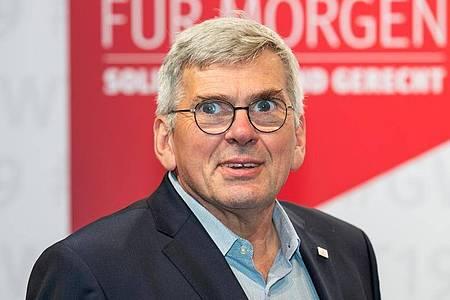Erhebt schwere Vorwürfe an die Adresse von Industriekonzernen: IG-Metall-Vorsitzender Jörg Hofmann. Foto: Daniel Karmann/dpa