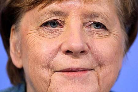 Mehr als fünf Millionen wollten hören, was die Kanzlerin zu sagen hat. Foto: Hannibal Hanschke/Reuters-Pool/dpa