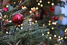 Weihnachten_Baum_Kugel_Lichterglanz