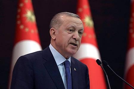Die EU will die Beziehungen zur Türkei und zu Recep Tayyip Erdogan schrittweise weiter ausbauen. Foto: Burhan Ozbilici/AP/dpa