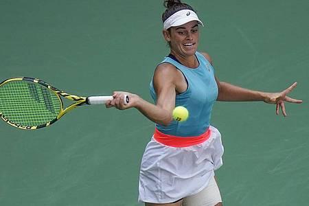 Steht erstmals im Halbfinale eines Grand-Slam-Turniers: Jennifer Brady aus den USA. Foto: Seth Wenig/AP/dpa