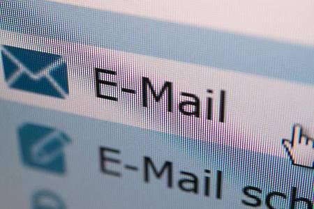 Eine verärgerte E-Mail kann emotionales Chaos auslösen - darüber sollte man sich bewusst sein. Foto: Andrea Warnecke/dpa-tmn