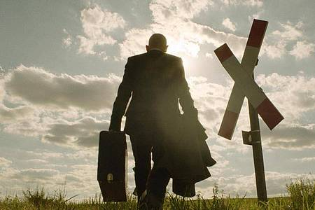 Ulrich Kainer (Martin Wuttke) tritt seine letzte Reise an. Foto: HR/dpa