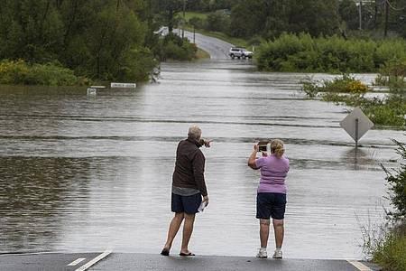 Tagelanger Starkregen hat im Osten Australiens die schlimmsten Überschwemmungen seit Jahrzehnten und die Evakuierung ganzer Ortschaften ausgelöst. Foto: Mark Baker/AP/dpa