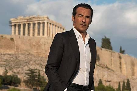 Erol Sander als Ermittler Mehmet Ökazin in «Mordkommission Istanbul - Entscheidung in Athen». Foto: Marilena Anastasiadou/ARD Degeto/dpa