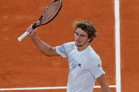 Alexander Zverev will in Paris ins Achtelfinale. Foto: Christophe Ena/AP/dpa