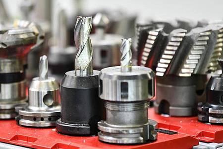 Angehende Fachkräfte für Metalltechnik können ihre Fertigkeiten oft auch im Alltag gut gebrauchen. Foto: Kirsten Neumann/dpa-tmn