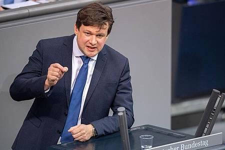Tobias Zech spricht Mitte Januar bei einer Plenarsitzung im Deutschen Bundestag. Foto: David Hutzler/dpa