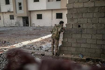 Alle Versuche, in dem Konflikt in Libyen zu vermitteln, blieben bisher erfolglos - auch eine Libyen-Konferenz in Berlin im Januar. Foto: Amru Salahuddien/XinHua/dpa