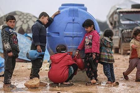 Kinder leiden besonders unter dem Bürgerkrieg in Syrien. Foto: Anas Alkharboutli/dpa