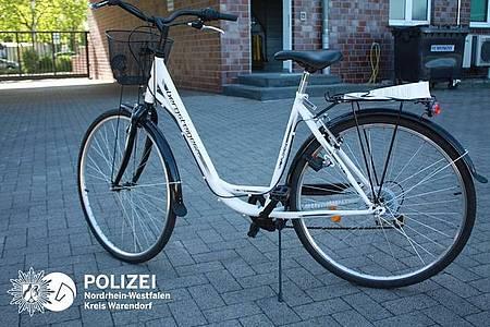 "Wem gehört das Fahrrad der Marke ""Bergsteiger""?"