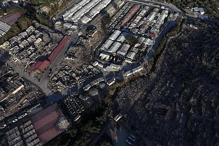 Nach dem Großbrand im Flüchtlingslager Moria auf Lesbos durften Hunderte Minderjährige die Insel verlassen. Foto: Panagiotis Balaskas/AP/dpa