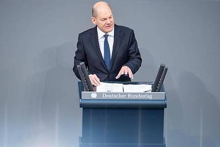 SPD-Kanzlerkandidat Olaf Scholz warnt vor einer sozialen Spaltung beim Impfen gegen das Coronavirus. Foto: Christophe Gateau/dpa