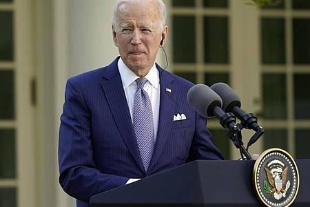 US-Präsident Joe Biden spricht bei einer Pressekonferenz im Rosengarten des Weißen Hauses. Foto: Andrew Harnik/AP/dpa
