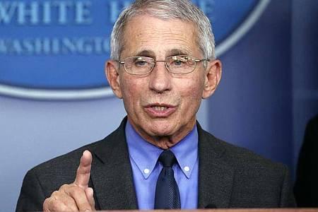 Anthony Fauci, Direktor des Nationalen Instituts für Infektionskrankheiten, spricht im Weißen Haus. Foto: Alex Brandon/AP/dpa