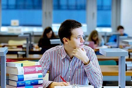 Wer promoviert, braucht Geduld und eine hohe Frustschwelle. Foto: Markus Scholz/dpa-tmn