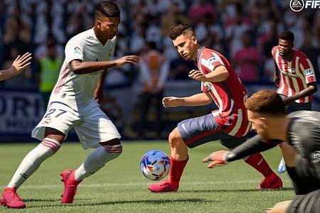 Unter anderem klügere Pässe dank einer verbesserten künstlichen Intelligenz verspicht Electronic Arts für «Fifa 21». Foto: EA Sports/dpa-tmn