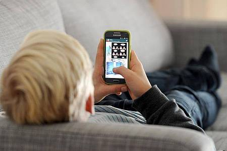 Zu Silvester verzeichneten Anbieter ein deutlich größeres Datenvolumen imFestnetz-Internet. Foto: Tobias Hase/dpa