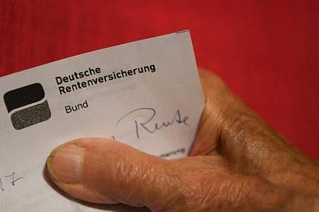 Die Rentenübersicht soll bald digital kommen. Foto: Felix Kästle/dpa