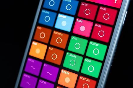 Beats und Melodien ohne Vorkenntnisse: Splash lässt sich über farbige Flächen intuitiv bedienen. Foto: Catherine Waibel/dpa-tmn