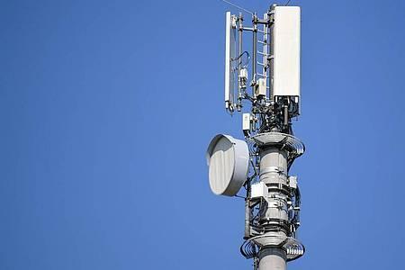 Mobilfunkanbieter wollen an verschiedenen Standorten Sendetechnik und Antennen gemeinsam nutzen. Foto: Patrick Pleul/dpa-Zentralbild/dpa