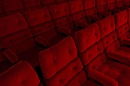 Mit einem Förderprogramm sollen vor allem Kinos in kleineren Gemeinden unterstützt werden. Foto: Sebastian Gollnow/dpa