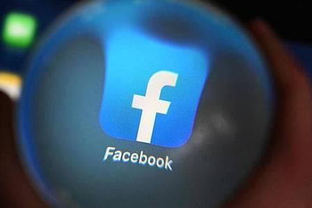 Facebook entschuldigt sich für die Sperrung. Foto: Uli Deck/dpa