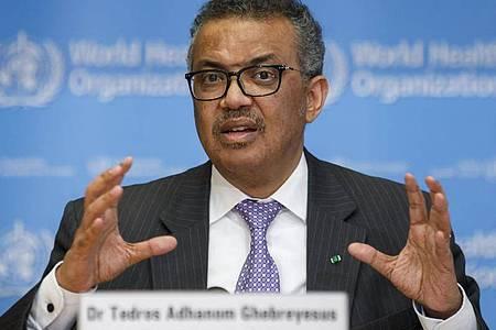 Tedros Adhanom Ghebreyesus, Generaldirektor der Weltgesundheitsorganisation (WHO), spricht während einer Pressekonferenz. Foto: Salvatore Di Nolfi/KEYSTONE/dpa