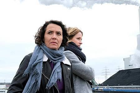Die Ludwigshafener Kommissarinnen Lena Odenthal (Ulrike Folkerts, l) und Johanna Stern (Lisa Bitter) bekommen es mit der rechten Szene zu tun. Foto: Jacqueline Krause-Burberg/SWR/dpa