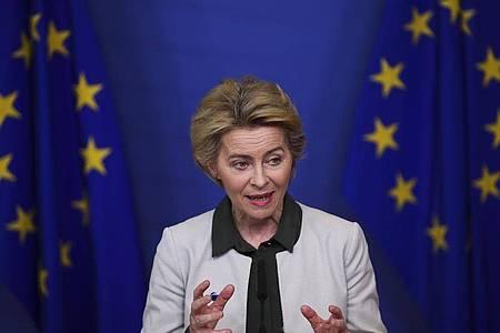Ursula von der Leyen, Präsidentin der Europäischen Kommission, spricht im Dezember 2019 bei einer Pressekonferenz über den «Green Deal». Foto: Francisco Seco/AP/dpa