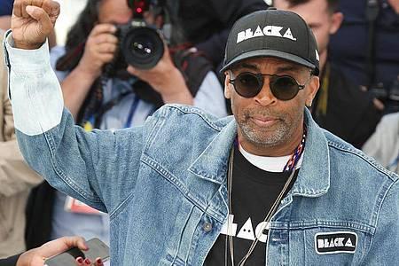 Mit seinem Film «BlacKkKlansman» gewann Spike Lee einen Oscar in der Kategorie «Bestes adaptiertes Drehbuch». Foto: Joel C Ryan/Invision/AP/dpa