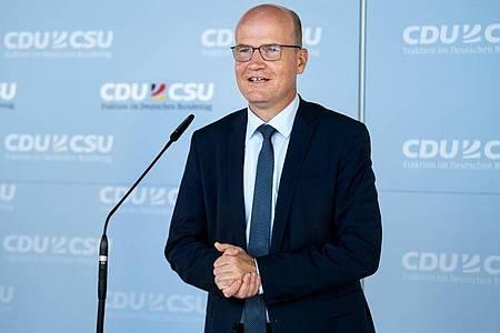 Unionsfraktionschef Ralph Brinkhaus würde gerne früher einen CDU-Vorsitzenden küren. Foto: Bernd von Jutrczenka/dpa