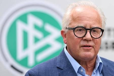 DFB-Präsident Fritz Keller ist jetzt als Krisenmanager gefragt. Foto: Arne Dedert/dpa
