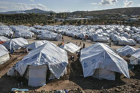 Tatsächlich ist die Zahl der Migranten, die auf den griechischen Inseln ankommen, deutlich zurückgegangen. Foto: Panagiotis Balaskas/AP/dpa