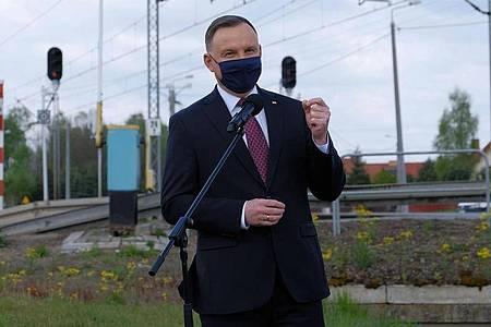 Andrzej Duda, Präsident von Polen, nimmt an einer Pressekonferenz teil. Foto: Mateusz Marek/PAP/dpa