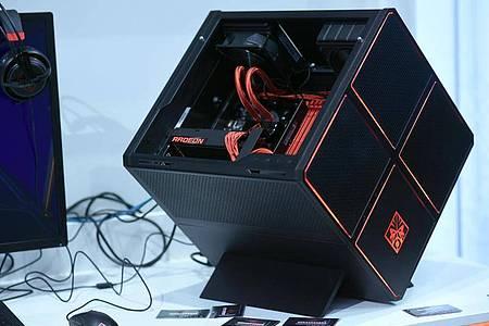 Ein Omen-X-Gaming-PC von HP. Doch egal ob Desktop oder Notebook: Auf allen Omen-Rechnern ist die betroffene Software Omen Gaming Hub vorinstalliert. Foto: Henning Kaiser/dpa-tmn